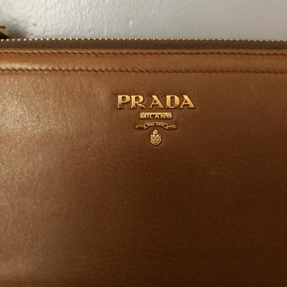 selezione premium 530a0 87bf5 PRADA Portafoglio + Portamon Ziparound Clutch